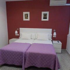 Отель Pension Corbero Мадрид комната для гостей фото 4