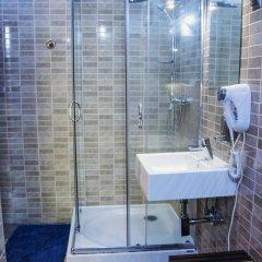 Отель Lódzki Palacyk 3* Стандартный номер с двуспальной кроватью (общая ванная комната) фото 2