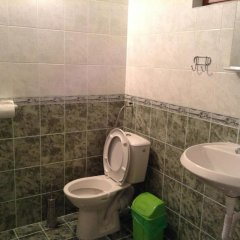Отель Eko Chiflik Peevi Болгария, Габрово - отзывы, цены и фото номеров - забронировать отель Eko Chiflik Peevi онлайн ванная