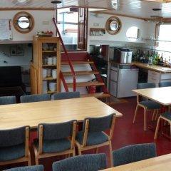 Отель Hotelboat Allure Нидерланды, Амстердам - отзывы, цены и фото номеров - забронировать отель Hotelboat Allure онлайн помещение для мероприятий