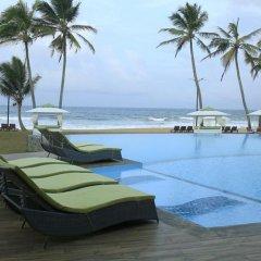Отель Avenra Beach Hikkaduwa бассейн фото 3