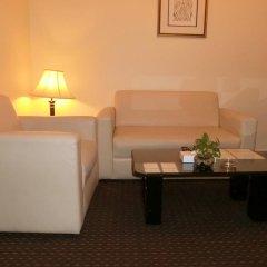 Al Muraqabat Plaza Hotel Apartments интерьер отеля