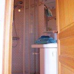 Отель La Gomerie Chambres d'Hotes Франция, Сент-Эмильон - отзывы, цены и фото номеров - забронировать отель La Gomerie Chambres d'Hotes онлайн ванная фото 2