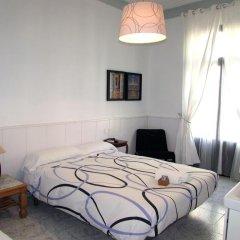 Отель Pension Cerdaña Барселона комната для гостей фото 5
