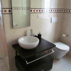 Отель The Red Kitchen House ванная