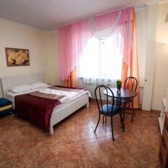 Гостиница Ласточкино гнездо Стандартный семейный номер с двуспальной кроватью фото 7