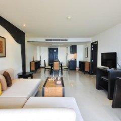 Отель Woraburi Phuket Resort & Spa 4* Улучшенный номер двуспальная кровать фото 7