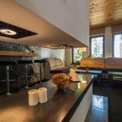 Апартаменты Green Life Family Apartments Pamporovo гостиничный бар