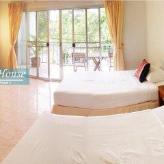Отель Pensiri House 3* Стандартный номер с 2 отдельными кроватями фото 9