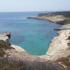 Отель Xrobb L-Ghagin Hostel Мальта, Марсашлокк - отзывы, цены и фото номеров - забронировать отель Xrobb L-Ghagin Hostel онлайн пляж фото 2