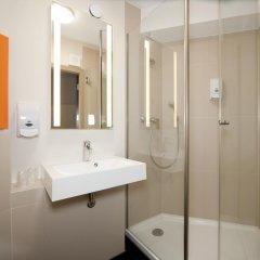 Отель B&B Hotel Lódz Centrum Польша, Лодзь - отзывы, цены и фото номеров - забронировать отель B&B Hotel Lódz Centrum онлайн ванная фото 2
