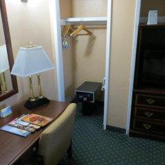 Отель Days Inn by Wyndham Hollywood Near Universal Studios Стандартный номер с различными типами кроватей фото 3
