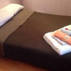 Гостевой Дом Кутузов на Кутузовском проспекте Стандартный номер с двуспальной кроватью (общая ванная комната)