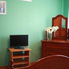 Гостиница Марсель 2* Стандартный номер с двуспальной кроватью (общая ванная комната) фото 6