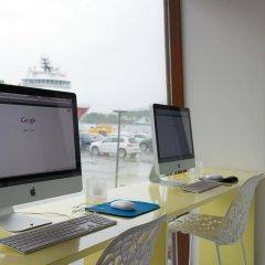 Отель Quality Hotel Waterfront Норвегия, Олесунн - отзывы, цены и фото номеров - забронировать отель Quality Hotel Waterfront онлайн удобства в номере фото 2