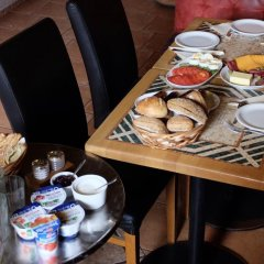 Отель Academus Cafe Pub & Guest House Вроцлав питание фото 3