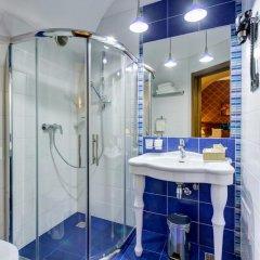 Мини-Отель Big Marine 4* Улучшенный номер с двуспальной кроватью фото 12