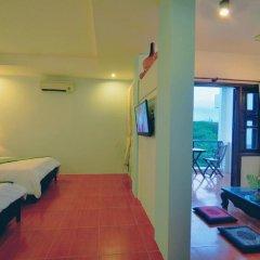 Отель Starfruit Homestay Hoi An 2* Стандартный семейный номер с двуспальной кроватью фото 6
