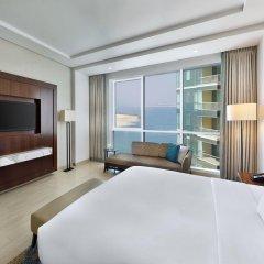 Отель DoubleTree by Hilton Dubai Jumeirah Beach 4* Семейный люкс с двуспальной кроватью фото 6