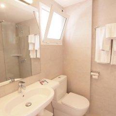 Отель Xaloc Playa ванная
