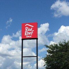 Отель Red Roof Inn Meridian 2* Улучшенный номер с различными типами кроватей фото 6