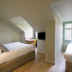 Отель Hôtel Du Centre 2* Стандартный семейный номер с двуспальной кроватью фото 10