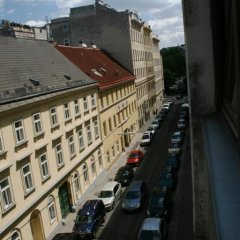 Alibi Hostel Вена балкон