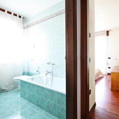 Отель La Mincana Италия, Дуэ-Карраре - отзывы, цены и фото номеров - забронировать отель La Mincana онлайн ванная
