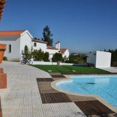 Отель Montejunto Eden - Casas de Campo бассейн