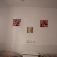 Отель Hostal Las Nieves Стандартный номер с 2 отдельными кроватями (общая ванная комната) фото 13