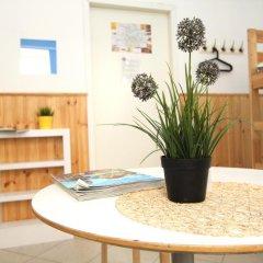 Хостел BedAndBike Кровать в женском общем номере с двухъярусной кроватью фото 17