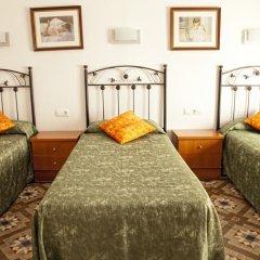 Отель Hostal Ramos Улучшенный номер с различными типами кроватей фото 3