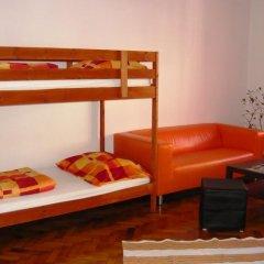 Boomerang Hostel and Apartments Кровать в общем номере с двухъярусной кроватью фото 5