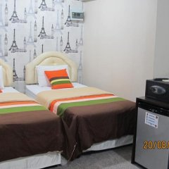 Отель Banglumpoo Place 3* Номер Делюкс с различными типами кроватей фото 9