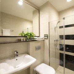 Отель V Bencoolen 4* Улучшенный номер фото 4