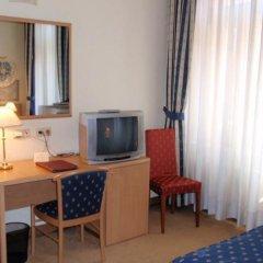 Hotel Tivoli Prague 3* Стандартный номер с двуспальной кроватью