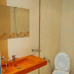 Отель Guest House The Jolly House Болгария, Чепеларе - отзывы, цены и фото номеров - забронировать отель Guest House The Jolly House онлайн ванная