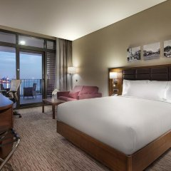 Отель Hilton Garden Inn Izmir Bayrakli 4* Стандартный номер с различными типами кроватей фото 3