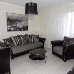 Апартаменты Apartment Zapad-Wostok комната для гостей фото 2