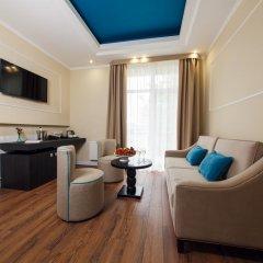 Гостиница Голубая Лагуна Люкс с двуспальной кроватью фото 9