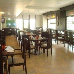 The Hans Hotel New Delhi питание фото 2