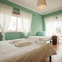 Хостел Ericeira Chill Hill Hostel & Private Rooms Стандартный номер с различными типами кроватей фото 6