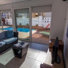 Отель Agi las Acacias Испания, Курорт Росес - отзывы, цены и фото номеров - забронировать отель Agi las Acacias онлайн гостиничный бар