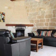Отель Razzett Perla Мальта, Гасри - отзывы, цены и фото номеров - забронировать отель Razzett Perla онлайн интерьер отеля