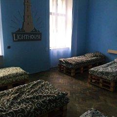Hostel Lighthouse Lviv Кровать в общем номере с двухъярусной кроватью фото 3