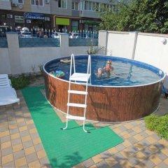 Гостиница M-Yug в Анапе 2 отзыва об отеле, цены и фото номеров - забронировать гостиницу M-Yug онлайн Анапа бассейн фото 3