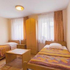 Гостиница Золотая Бухта 3* Номер с общей ванной комнатой с различными типами кроватей (общая ванная комната)
