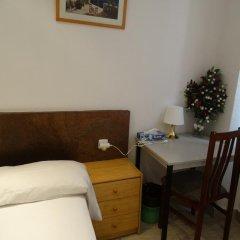 Отель Hostal Mont Thabor Улучшенный номер с различными типами кроватей фото 16