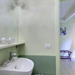 Отель LM Suite Spagna 3* Стандартный номер с двуспальной кроватью фото 26