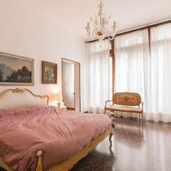 Отель Appartamento dei Frari Италия, Венеция - отзывы, цены и фото номеров - забронировать отель Appartamento dei Frari онлайн комната для гостей фото 3